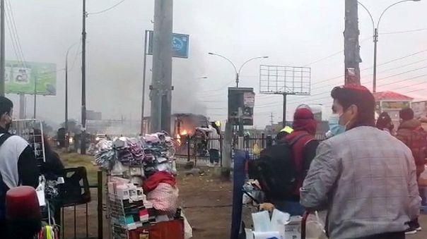 los-olivos:-un-bus-de-transporte-publico-se-incendio-en-plena-panamericana-norte-[video]