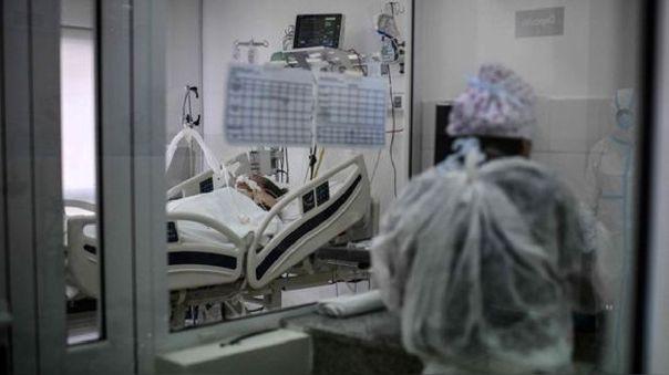 """buenos-aires-aprobo-ley-que-permite-un-""""derecho-a-la-despedida""""-a-los-pacientes-graves-de-la-covid-19"""