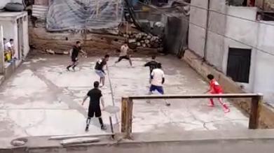 rimac:-vecinos-denuncian-que-jovenes-se-reunen-a-jugar-futbol-todos-los-fines-de-semana-[video]