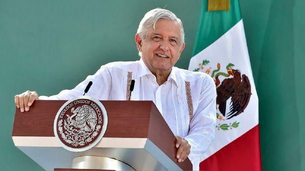 mexico:-lopez-obrador-pide-no-usar-computadoras-alquiladas-y-no-cargar-celulares-en-entidades-publicas