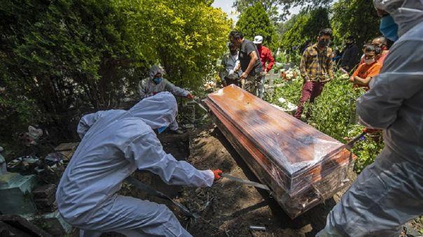 mexico-supera-los-56-000-muertos-por-covid-19,-aunque-autoridades-creen-que-baja-la-intensidad
