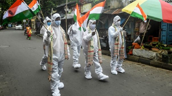 autoridades-sanitarias-de-india-reportan-mas-de-50-000-decesos-por-el-nuevo-coronavirus