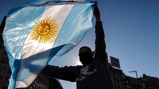 argentina-declara-servicios-publicos-y-esenciales-a-internet,-television-y-telefonia