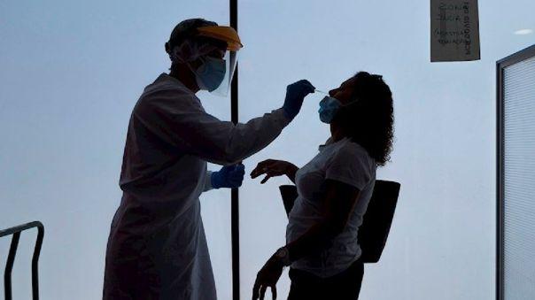 la-cifra-de-muertos-por-la-pandemia-de-la-covid-19-supera-los-800-mil