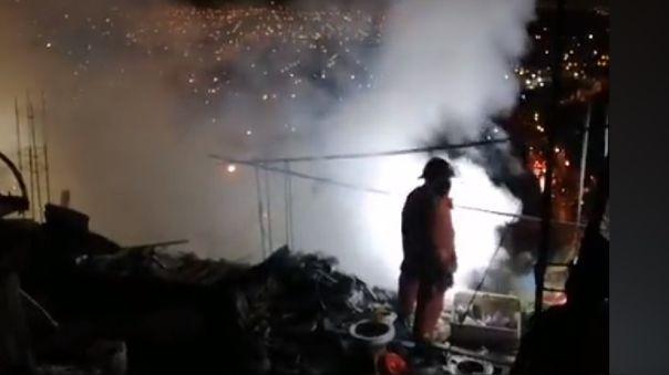 rimac-|-incendio-consumio-dos-viviendas-en-aahh.-san-juan-de-amancaes