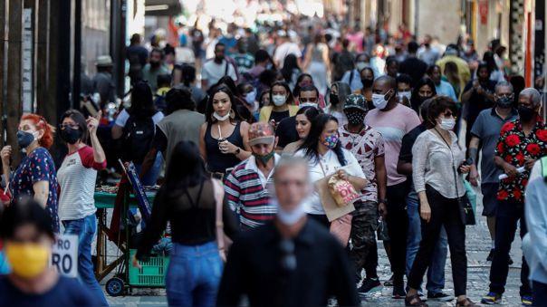 brasil-rebasa-los-125-000-muertos-por-una-pandemia-que-tiende-a-estabilizarse