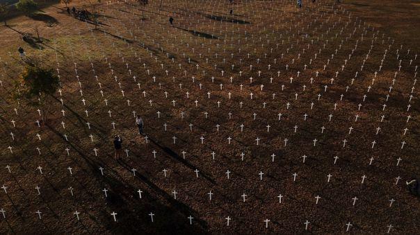 brasil-sobrepasa-los-130-000-muertos-por-la-covid-19-y-los-4,2-millones-de-contagios