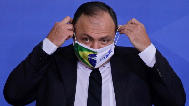 jair-bolsonaro-oficializa-al-general-eduardo-pazuello-como-su-ministro-de-salud