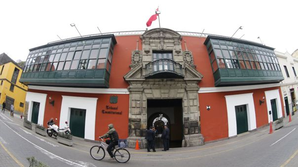 ipsos:-un-49-%-de-peruanos-opina-que-los-miembros-del-tc-deben-ser-reemplazados-por-el-proximo-congreso