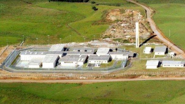 brasil:-un-grupo-de-34-presos-con-covid-19-se-escaparon-de-la-carcel-por-un-tunel