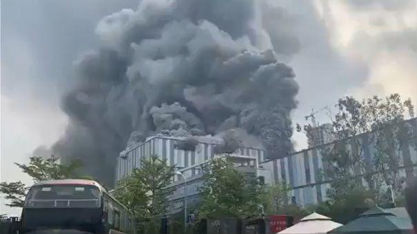 china- -incendio-de-una-planta-en-construccion-de-huawei-dejo-tres-muertos