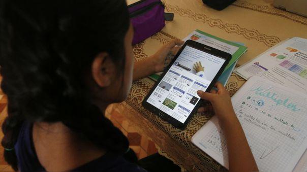 ministro-de-educacion:-primer-lote-de-tablets-se-distribuira-a-partir-de-segunda-semana-de-octubre