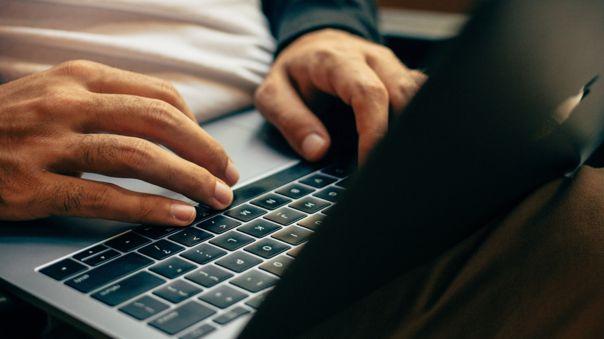 desconexion-digital:-trabajadores-podran-evitar-correos-y-mensajes-de-whatsapp-en-dias-de-descanso