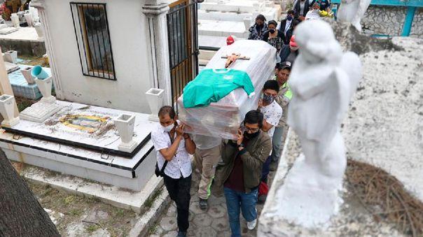 mexico-supera-los-955-000-casos-y-roza-las-95-000-muertes-por-covid-19
