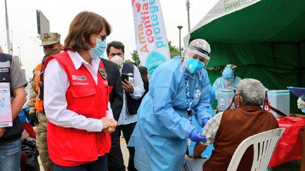 ministra-de-salud-anuncia-coordinaciones-para-vacunar-por-las-noches