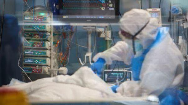 peru-cierra-el-ano-con-37-680-fallecidos-por-covid-19-y-1-015-137-casos-confirmados